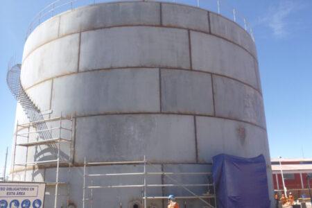 tanque en construcción